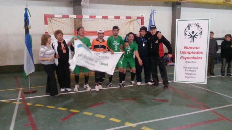 Volvieron a Catriel los campeones de futbol 5 en las Olimpiadas Especiales
