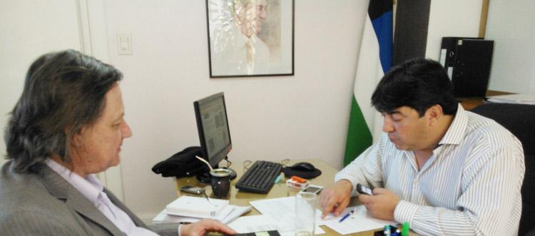 Johnston se reunió con el Ministro de Desarrollo Social Ricardo Arroyo