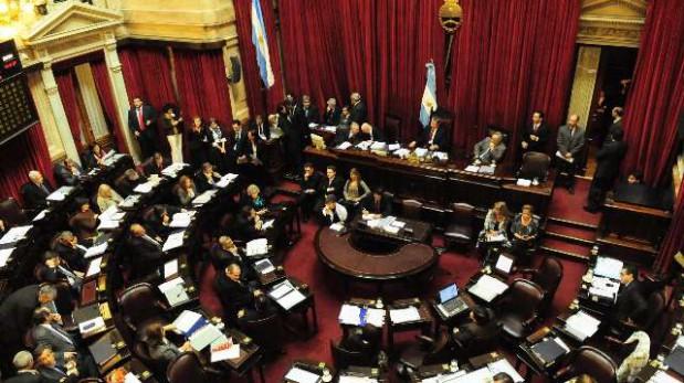 El Senado comienza a debatir la reforma de la ley petrolera