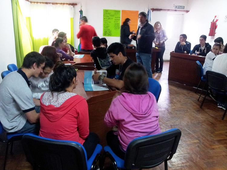 Consultor de  UNICEF realizó capacitación a representantes de Centros de Estudiantes de secundarias