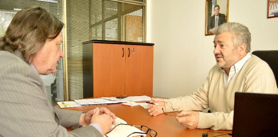 Secretario de Energía se reunió con Johnston por proyectos eléctricos