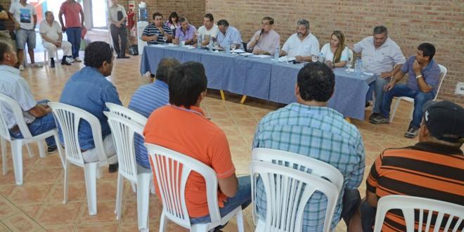 pereyra plenarioPereyra informó sobre la situación internacional del precio del crudo