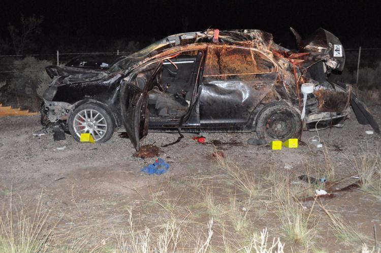 El vehículo impactó contra un equino, que imprevistamente cruzaba la ruta, provocando el posterior vuelco del rodado.