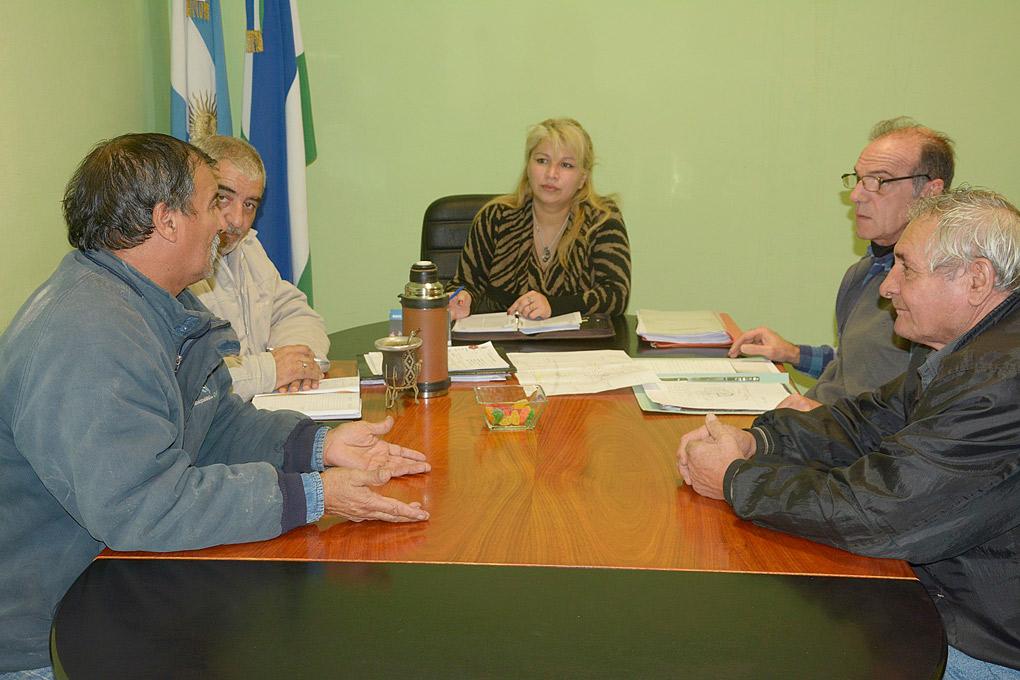 Municipio y Edersa delinean tareas a realizar en Bº Lote 15